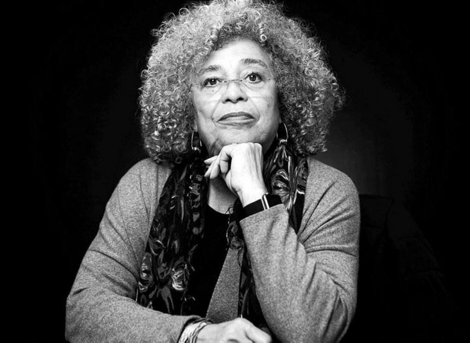 Lecture by Angela Davis Canceled after Pressure from Pro-Israel Students